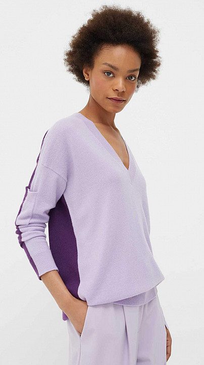 Chinti and Parker V Neck Sweater Grape