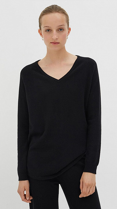 Chinti and Parker V Neck Sweater Black